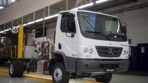 Mercedes-Benz Camiones suma dos nuevos modelos a su producción en la Argentina